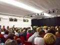 Il pubblico prima dell'inizio di uno spettacolo nel Teatro Sala B